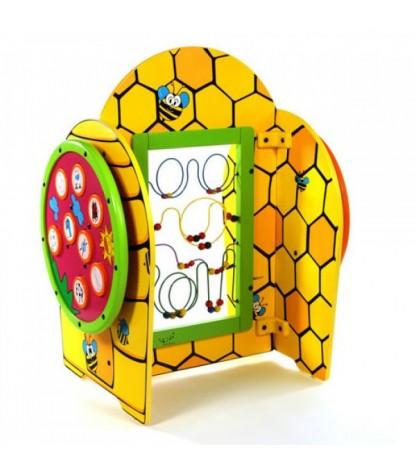 speeltoestel voor kinderen in een bijenkorf vorm